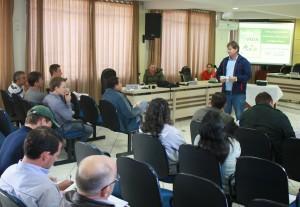Encontro de representantes das empresas com a Secretaria aconteceu na Câmara de Vereadores