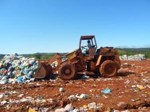 Aterro Sanitário Municipal - Aterramento de Resíduos