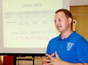 Claudionei Roessler durante reunião do Comitê da Dengue: índice está acima do preconizado pelo Ministério da Saúde