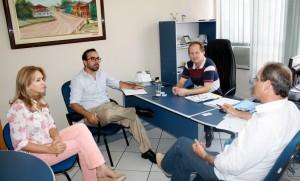 Jovelina Chaves, Sebastian Bogado, Saudi Mensor e Gervásio Kramer debateram o formato do evento que o Ministério de Indústria e Comércio do Paraguai promoverá na Expobel