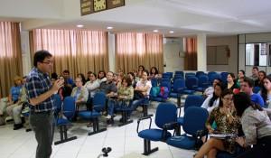 Prefeito Cantelmo Neto explicou como funciona a chamada isonomia em reunião de trabalho dos agentes de endemias