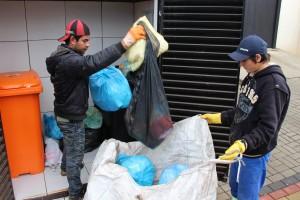 A Prefeitura estima que pouco mais de 10% do lixo produzido pela população vai para a reciclagem