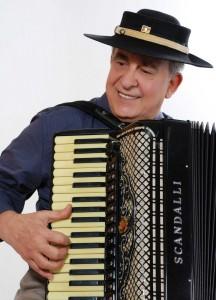 Cantor é um dos maiores nomes da música tradicionalista e estará em Beltrão na quarta, dia 17