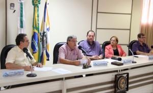 Alfonso Bruzamarello, secretário Luiz Geremia, Roberson Fieira, Elenir Maciel e Paulo Grohs na audiência pública em que a Prefeitura apresentou o balanço financeiro de 2014