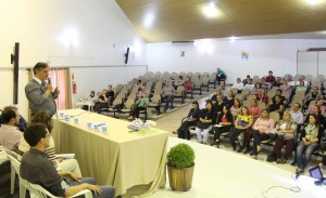 Vice-prefeito Eduardo Scirea abriu a primeira das cinco audiências públicas, nesta segunda
