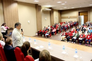 Na abertura, o vice-prefeito, Eduardo Scirea, destacou o papel democrático da conferência
