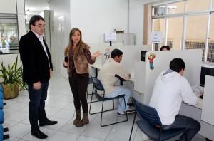 Prefeito Cantelmo neto visitou a nova estrutura, acompanhado pela chefe do serviço, Izolete Gemelli
