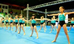 Primeira apresentação aconteceu em 2013; evento mostra qualidade técnica das alunas do CT de ginástica de Beltrão