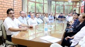Prefeito Cantelmo Neto anunciou o projeto piloto do novo sistema de coleta durante a reunião semanal da Acefb
