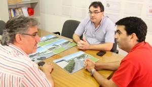Prefeito Cantelmo Neto e o vice, Eduardo Scirea, apresentaram o projeto inicial de revitalização do local ao gerente da BRF, Fabio Coelho Dias