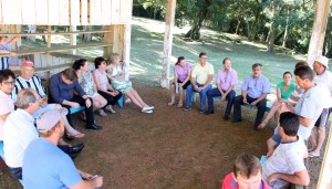 Vice-prefeito Eduardo Scirea se reuniu com representantes da comunidade nesta semana