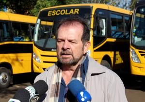 Viro de Graauw, secretário de Educação