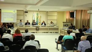 Prefeito Cantelmo Neto apresentou a situação financeira do Município na primeira sessão da Câmara