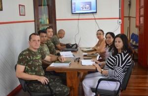 Comando do 16º ECM e direção da Secretaria de Saúde se reuniram para acertar ação de segunda
