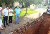 Prefeito Cantelmo Neto vistoriou as obras de revitalização da avenida que leva o nome de seu pai, no Industrial