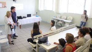 Secretária e o diretor de Assistência Social, Ana Manfrói e Guilherme Toss, abriram o primeiro dia do curso, nesta segunda