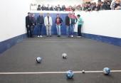 Lideranças da comunidade fizeram o primeiro teste na cancha, com o prefeito Cantelmo Neto e o vice Eduardo Scirea