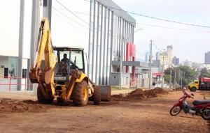 Avenida está recebendo nova galeria pluvial com tubos de 1m de diâmetro; etapa final da revitalização inicia nas próximas semanas